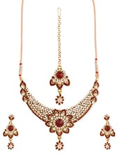 Red And White Stone-studded Necklace, Earrings And Maangtika Set - Vendee Fashion