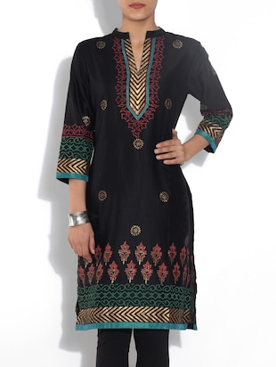 Black Printed Quarter Sleeved Poly Cotton kurta