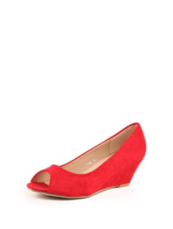 Red Faux Suede Wedge Sandals - Solo Voga