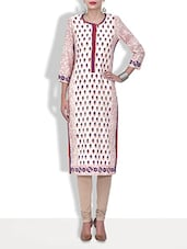 White Cotton Printed Three Quarter Sleeved Long Kurti - By - 9579976