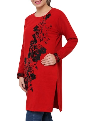 red floral embroidered acrylic woolen kurta - 9646070 - Standard Image - 2