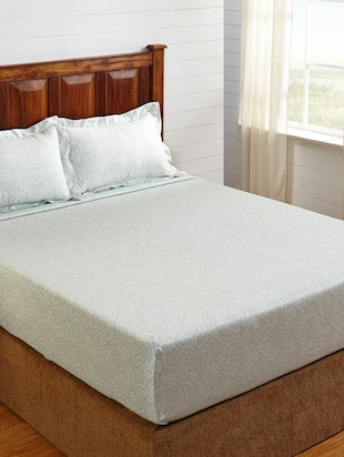 300 Thread count King Size Bedsheet set with 2 Pillow Covers